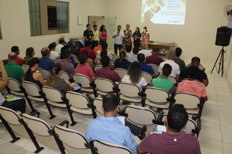 Palestra sobre normativas regulamentadoras de saúde e segurança do trabalho é promovida em Brumado