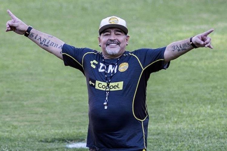 Maradona morre aos 60 anos após mal súbito na Argentina