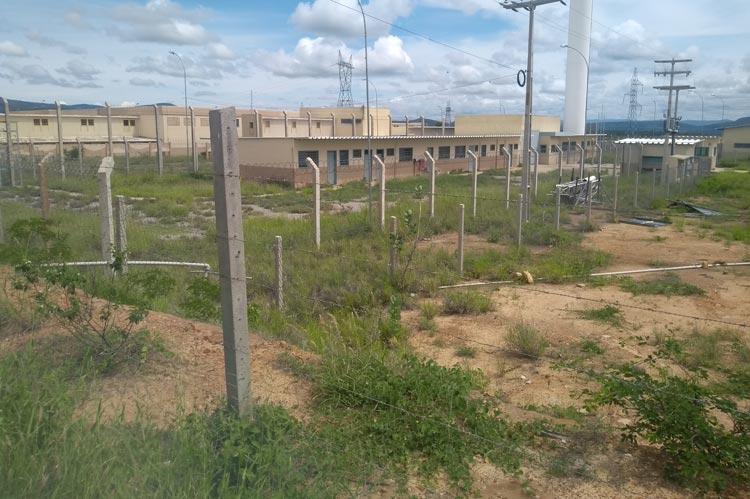 Brumado: Em parceria com Estado, prefeitura realizará capina e retirada de entulhos do presídio