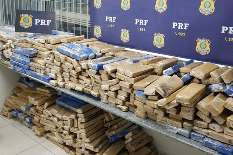 Carga de maconha que seria entregue em Guanambi é apreendida pela PRF