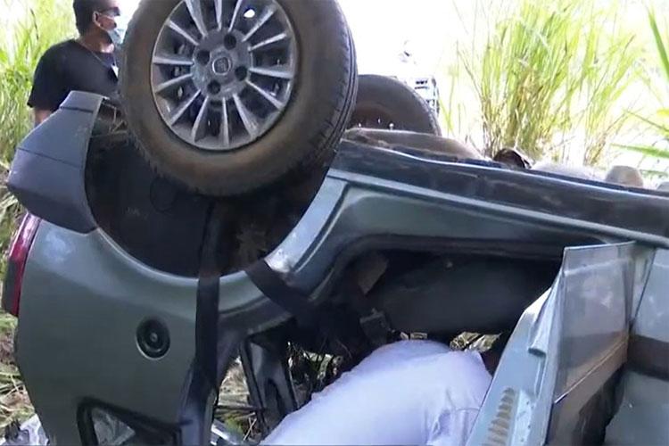 Batida entre moto, carro e caminhões deixa 5 mortos em trecho de Eunápolis da BR-101