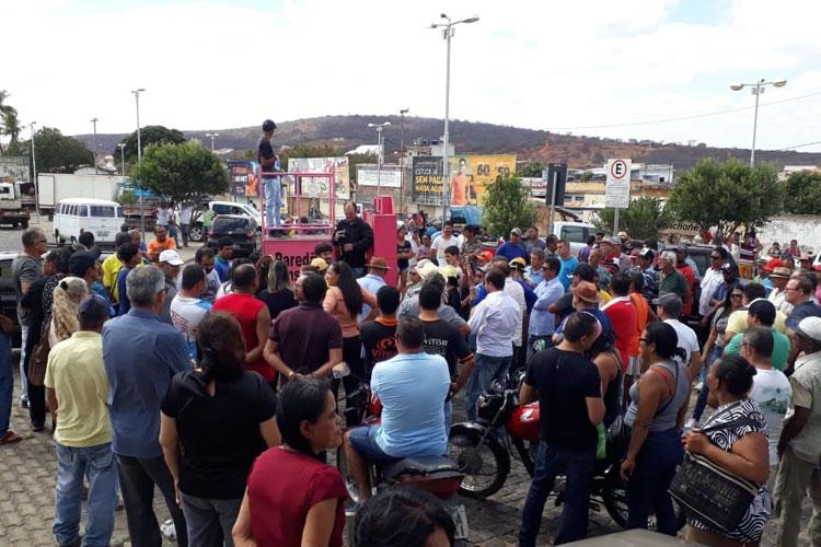 Brumado: Protesto contra área azul no mercado municipal conta com pouca participação de feirantes