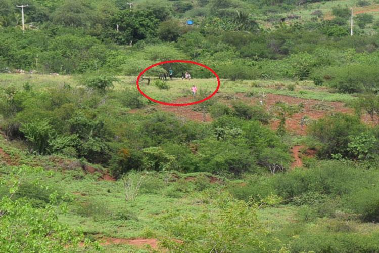 Sem terras voltam a invadir terreno destinado à policlínica e escola de medicina em Brumado