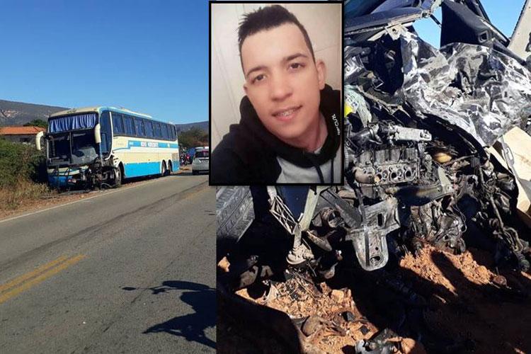 Boquira: Colisão entre ônibus da Novo Horizonte e carro de passeio deixa vítima fatal na BA-156