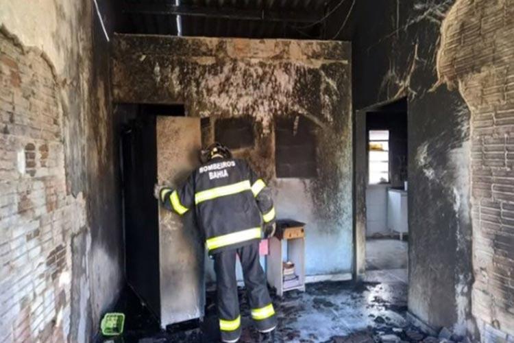 Luís Eduardo Magalhães: Homem é preso por incendiar casa e agredir mulher que pediu fim de relacionamento
