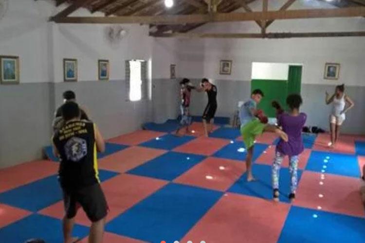 Brumado: Alunos do Centro de Treinamento Team Ribeiro são graduados em Muay Thai