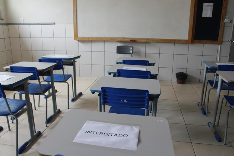 Professora diz ter orgulho por ter feito campanha contra voltas às aulas em Brumado