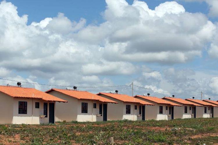 Falta de recursos ameaça o programa Minha Casa Minha Vida