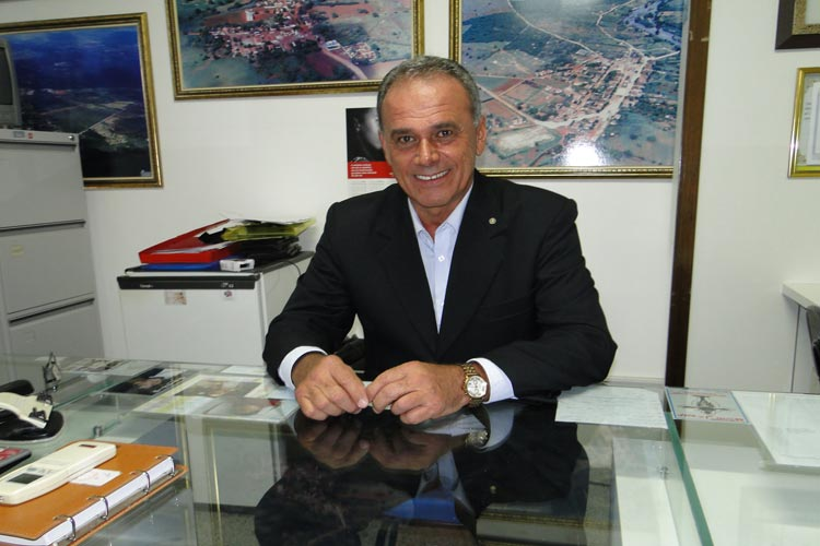 Brumado: Legislativo convoca sessão extra para votar as contas de 2016 do ex-prefeito Aguiberto Lima Dias