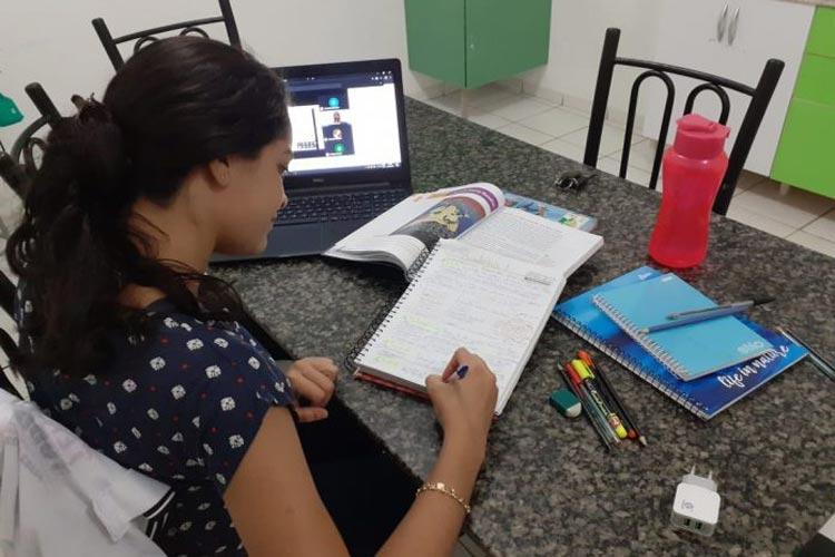 Colégios de Poções e Cordeiros realizam revisões virtuais preparatórias para o Enem