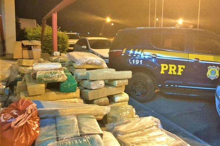 Perseguição policial termina com apreensão de 200 kg de maconha em Vitória da Conquista