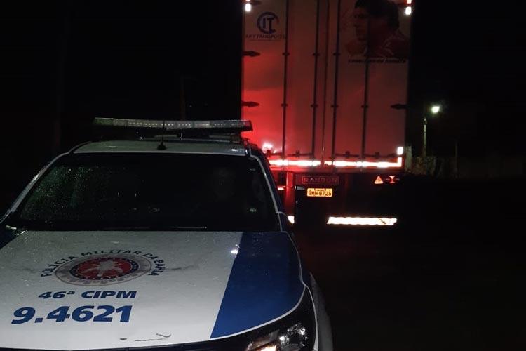 Paramirim: Polícia Militar recupera carreta roubada no estado de Minas Gerais