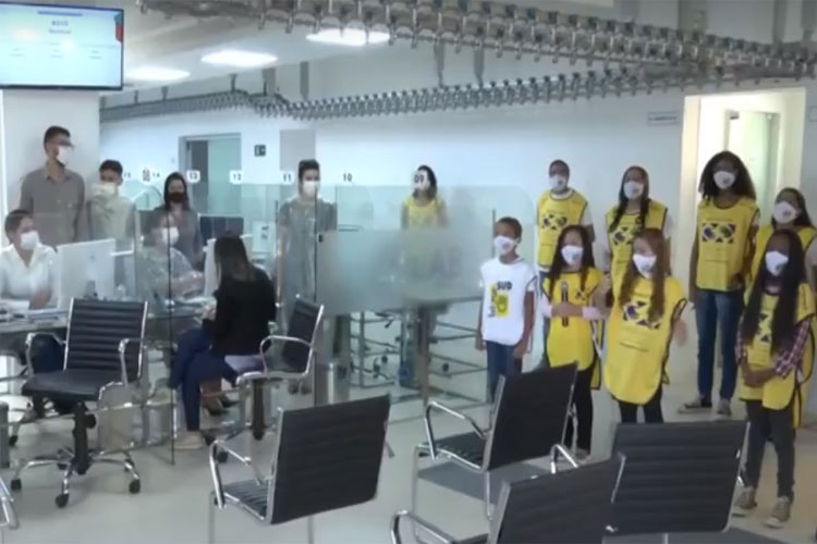 Crianças homenageiam profissionais de saúde que atuam no combate à Covid-19 em Vitória da Conquista