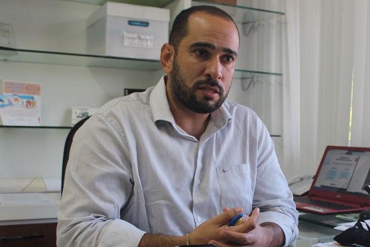 Brumado: Munícipes relatam desconfortos após receberem dose da AstraZeneca; 'é  normal', diz secretário