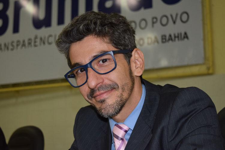 Justiça determina posse de suplente após pedido de licença de Dudu Vasconcelos, filho do prefeito de Brumado
