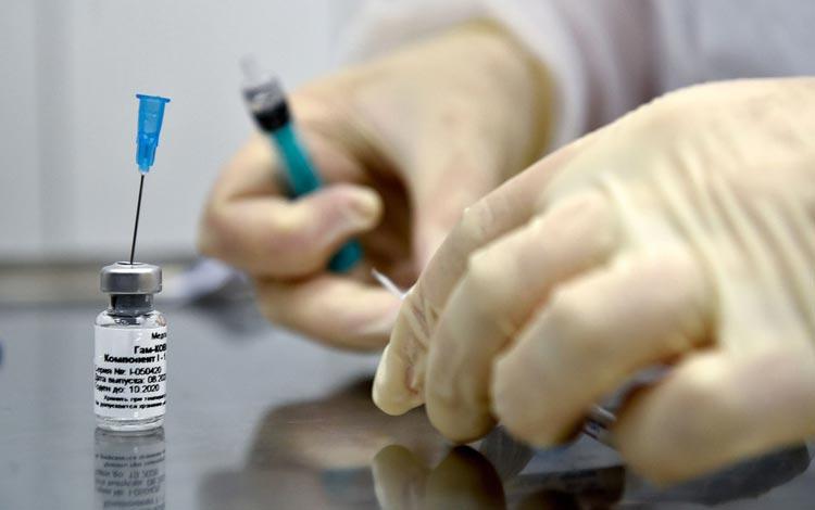 Rússia começa a vacinar a população com a Sputnik V