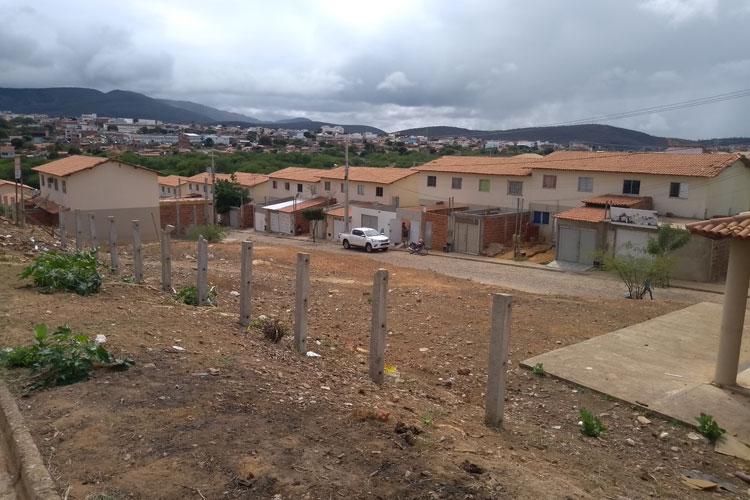Moradores das periferias de Brumado repudiam falhas da Embasa no abastecimento de água
