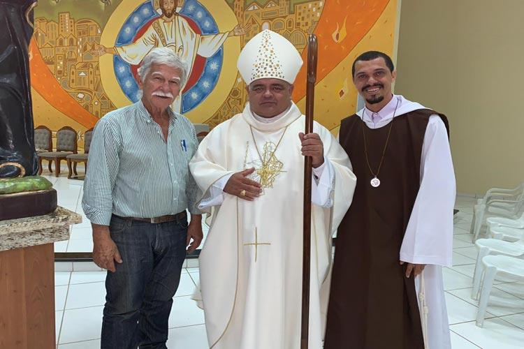 Brumado: Prefeito e Bispo de Caetité comparecem à missa em comemoração aos 15 anos da CARP
