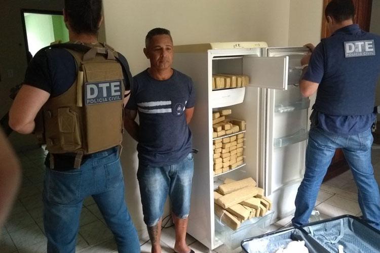 Suspeito de tráfico é preso em casa com 100 kg de maconha dentro de geladeira em Vitória da Conquista