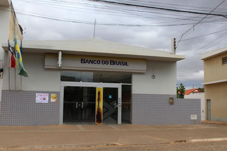 Dom Basílio: Vereadores cobram melhor atendimento da agência bancária da cidade