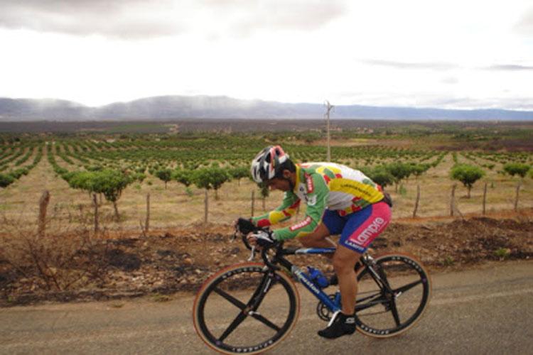 Empresário e ciclista brumadense inicia preparativos para viagem de bicicleta a Aparecida do Norte