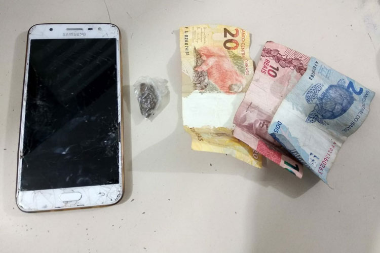 Aracatu: Cipe Sudoeste flagra homem com drogas no centro da cidade