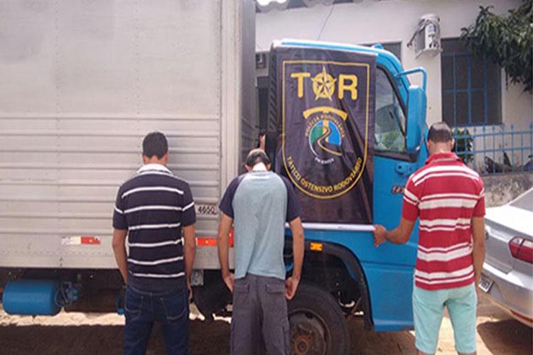 Rio do Antônio: PRE apreende caminhão com restrição de roubo na BR-030