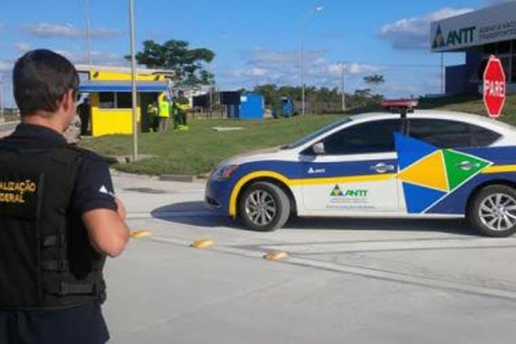 Ônibus são apreendidos fazendo transporte interestadual irregular em Vitória da Conquista