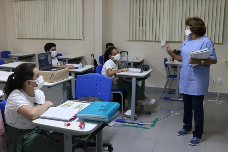 Manaus completa 1 mês da reabertura das escolas particulares