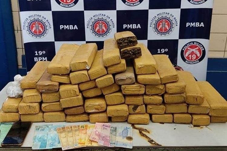 Homem é preso após polícia achar mais de 40 kg de maconha em mala de carro em Jequié