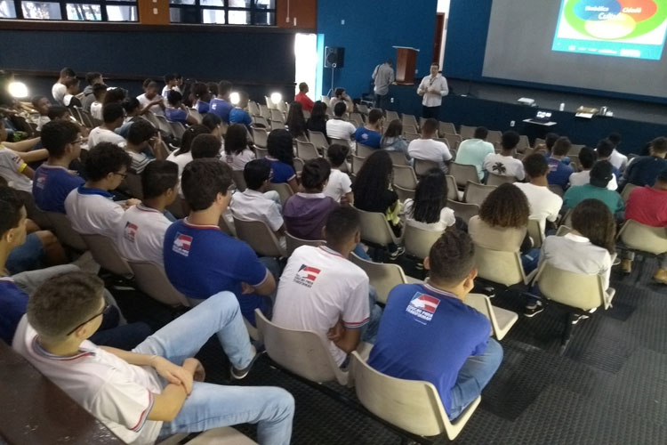 Projeto Coordenador Cultural é apresentado para alunos e agentes culturais de Brumado