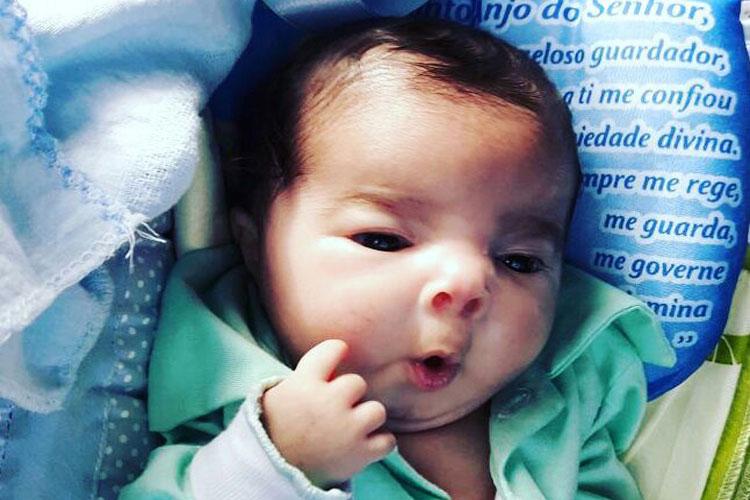 Brumado: Bebê que nasceu com ossos de cristal é transferido para Salvador