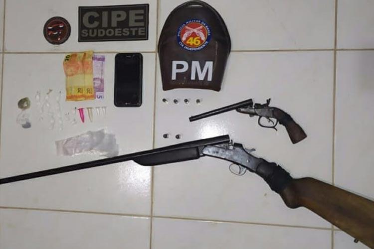 Jussiape: Dois homens são presos por porte ilegal de arma de fogo e tráfico de drogas