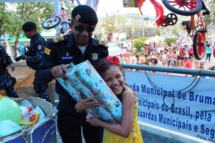Campanha da GCM faz a alegria de centenas de crianças em Brumado