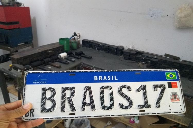 Prorrogado para 180 dias prazo para implantação da placa Mercosul na Bahia