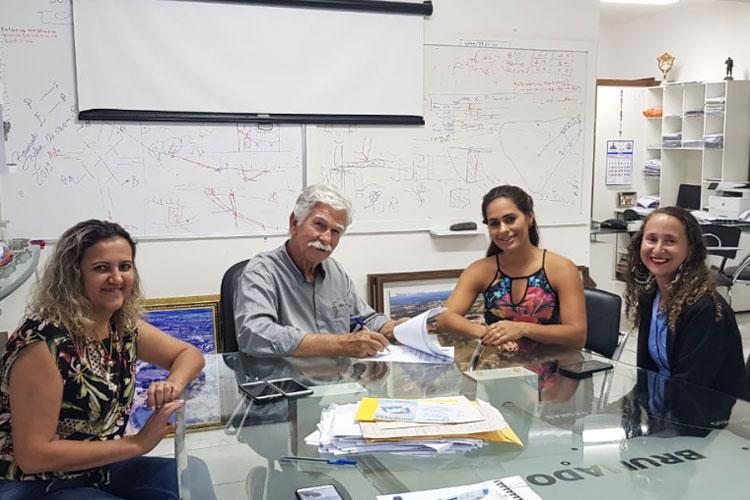 Brumado: Prefeitura celebra termo com a Apae para atendimento especial com pessoas com deficiência