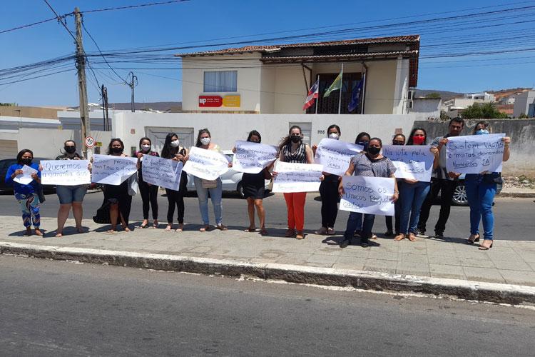 Aracatu: Professores concursados buscam apoio legislativo para sensibilizar prefeita a efetivá-los nos cargos