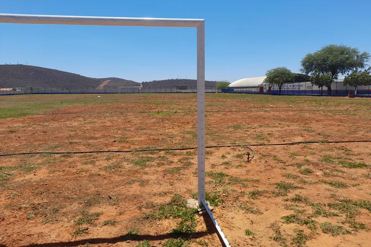 Brumado: Gramado de campo apresenta falhas e equipamento pode ficar restrito