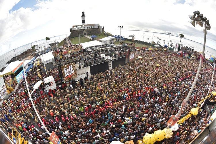 Carnaval de Salvador está suspenso e não há data prevista, diz prefeito