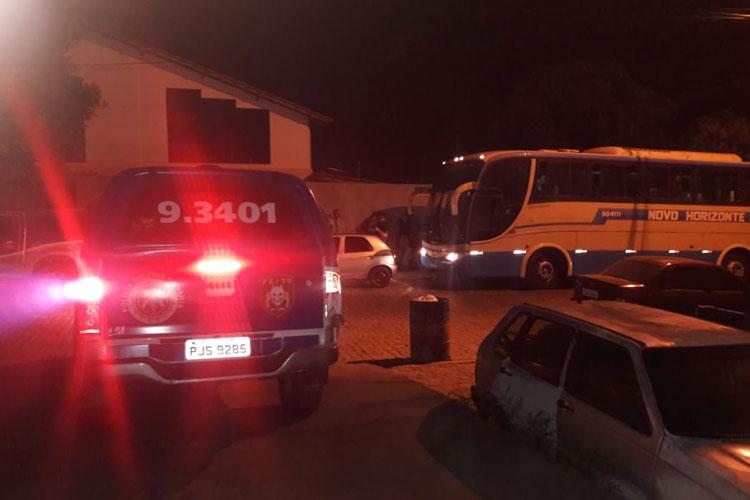 Brumado: Homem sofre tentativa de homicídio dentro de ônibus da Novo Horizonte