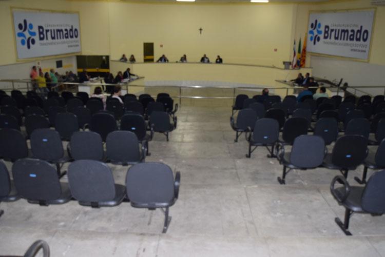 Prefeito provoca disputa de paternidade de indicações de obras entre vereadores em Brumado