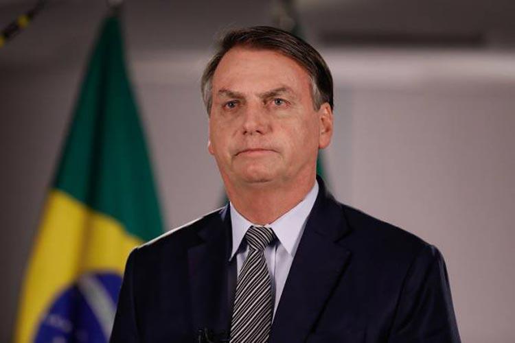 Jair Bolsonaro ao criticar isolamento: 'Para a mídia, o vírus sou eu'