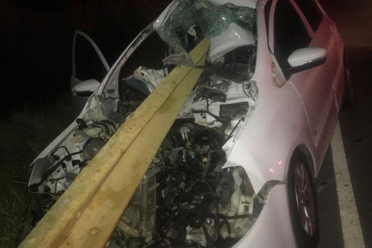 Brumado: Ferro de proteção de ponte atravessa veículo após acidente na BA-148