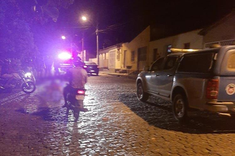Brumado: Homem morre após ser atingido por disparos de arma de fogo na Rua Virgílio Ataíde
