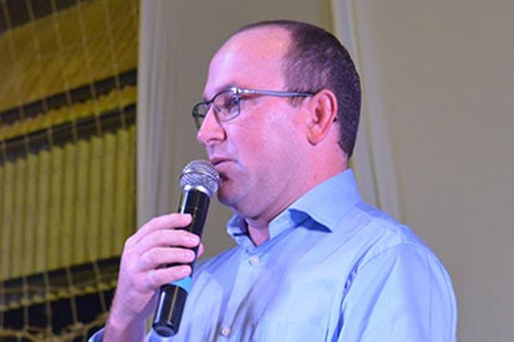 Presidente Jânio Quadros: Prefeito Léo Gambá é multado em R$ 4,2 mil