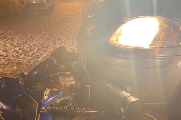 Malhada de Pedras: Motorista alcoolizado se envolve em acidente com viatura da PM e atropela motociclista