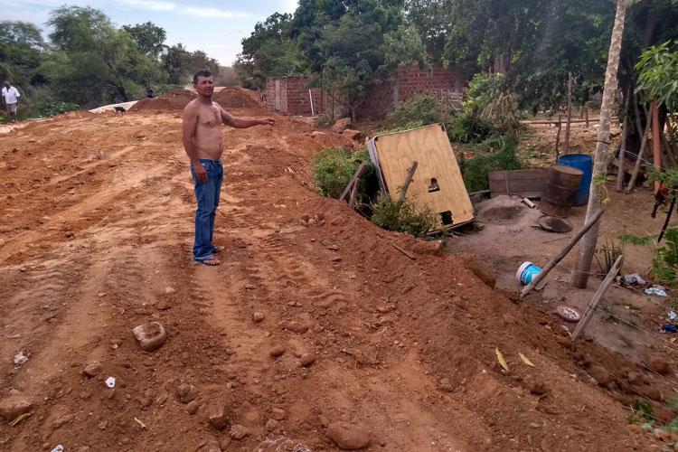 Brumado: Morador prevê tragédia com obra de pavimentação da prefeitura margeando o Rio do Antônio