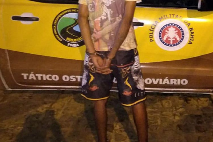 Brumado: Jovem é detido pela PRE após furtar motocicleta em frente ao Parque de Exposições