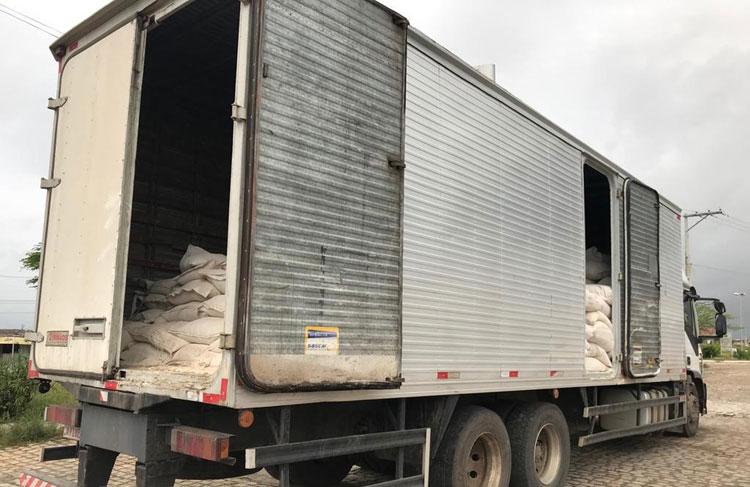 Duas toneladas de maconha são achadas em caminhão que levava farinha no interior da Bahia