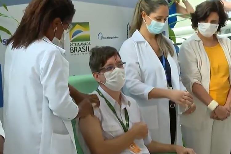 Coronavírus: Fiocruz inicia aplicação da vacina de Oxford